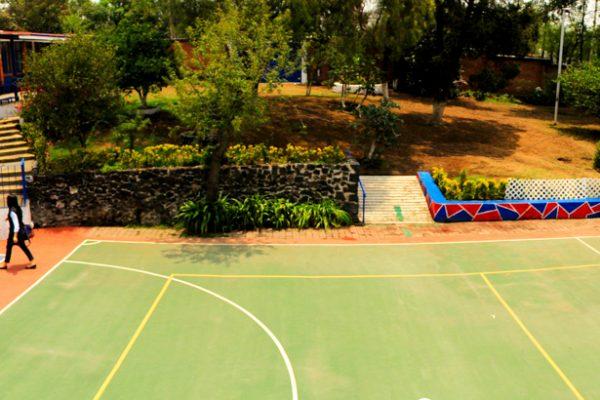 jardín Cancha Colegio Carlo Tancredi Director
